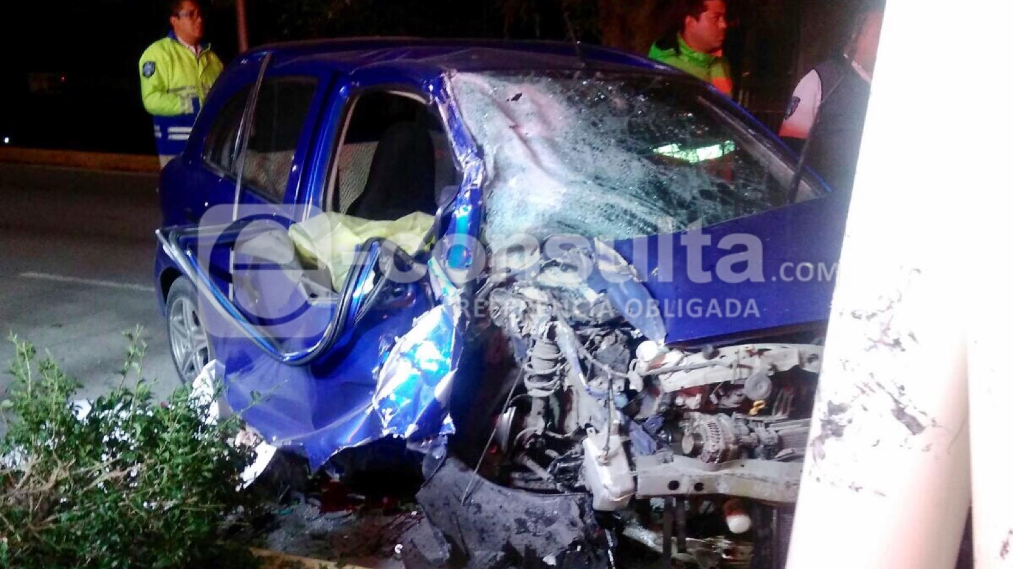 Mueren 2 personas al chocar contra ciclopista de bulevar Hermanos Serdán