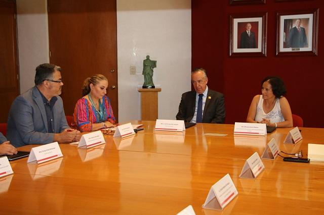 Ibero y ayuntamiento de Puebla impulsarán circuitos de economía