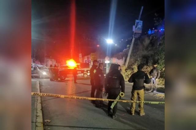 Ebrio atropella y tira de un puente a un policía en el Periférico