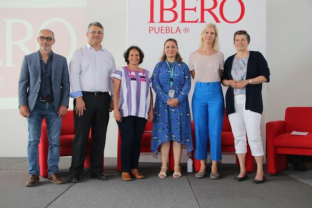 En Ibero Puebla analizan casos de políticas públicas de economía social