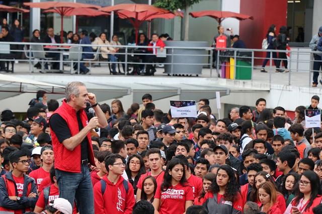 Más de 3 mil jóvenes asisten a UPAEP 360