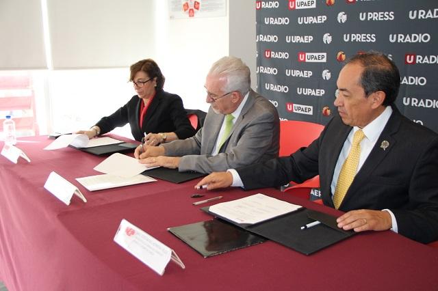 Firman convenio de colaboración académica Upaep y Canaco