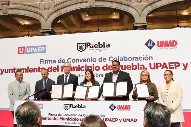 Firma Ayuntamiento de Puebla convenio con la UPAEP