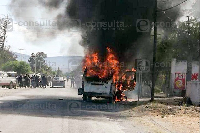 Tras balacera, queman a ladrón e intentan linchar a 4 en Tlacotepec