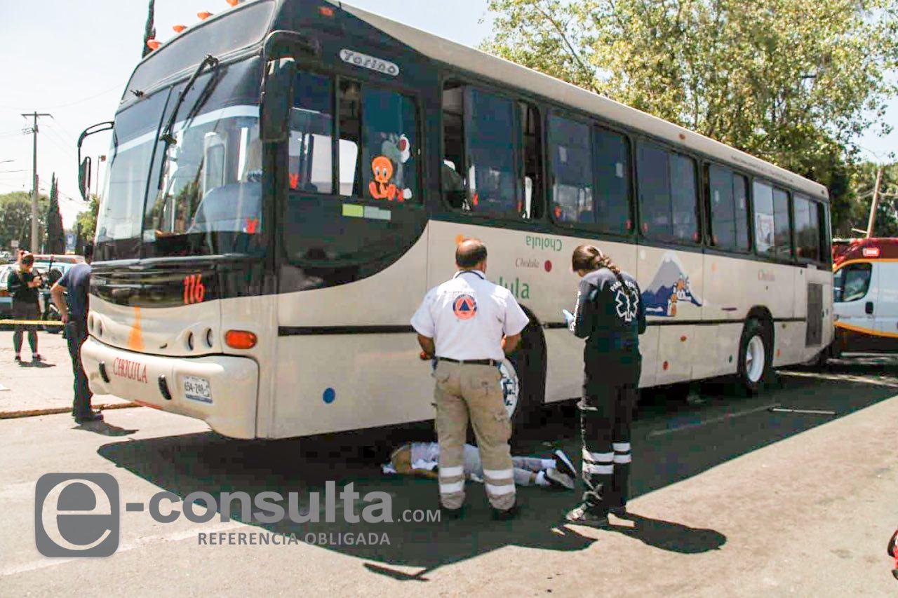 Mujer fallece tras ser atropellada por dos vehículos, en Cholula