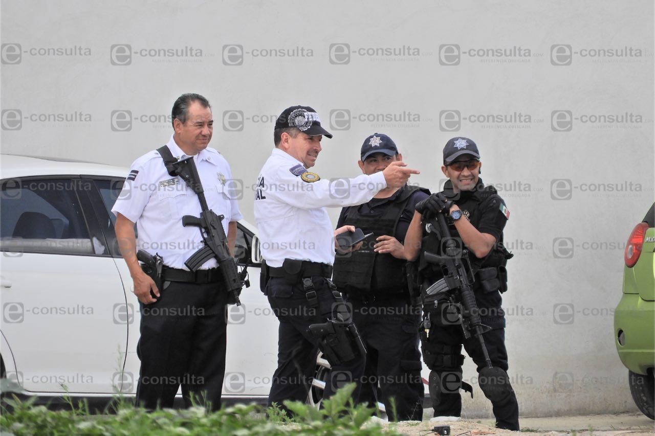 Catean PGR y Policía Federal encierro de pipas en Xonacatepec