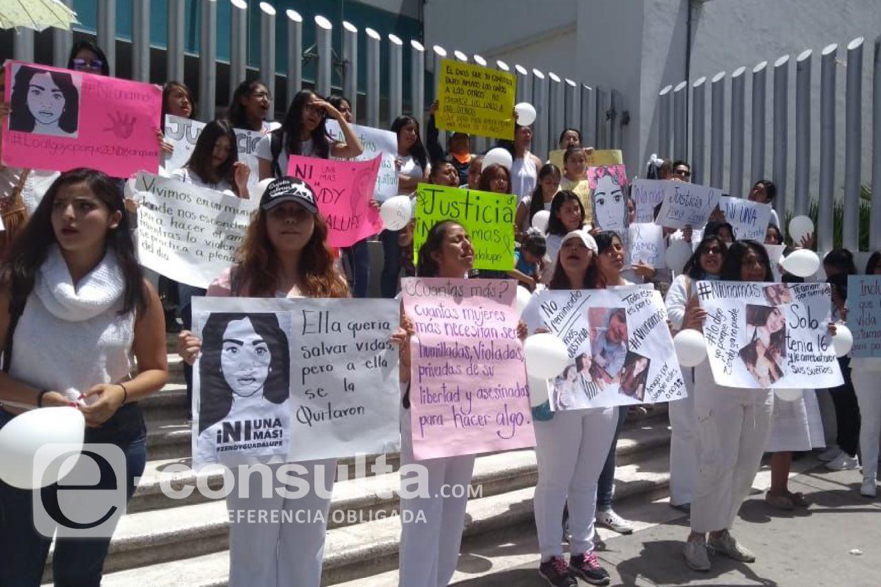 Marchan y exigen a la FGE esclarecer feminicidio de Zendy