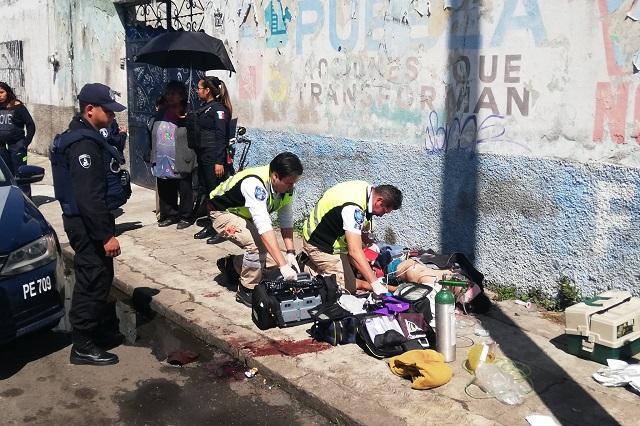 Lo apuñalan durante una riña en la colonia Morelos, en Puebla