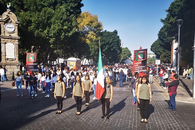 En desfile de la Revolución, la CSR exige más seguridad para obreros