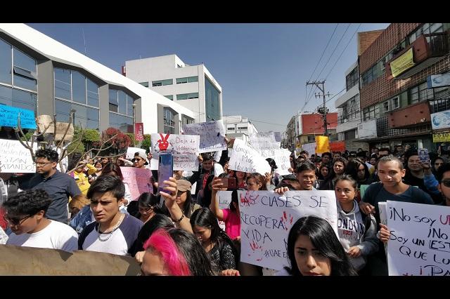 En Cuautlancingo y Amozoc marchan por paro estudiantil