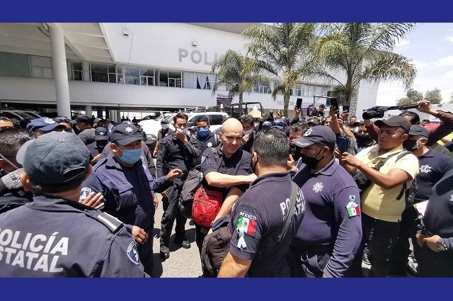 Expulsan a mandos chiapanecos los policías estatales en paro