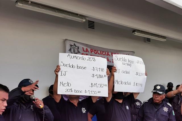 Policías terminarían paro con 20% de aumento directo al salario