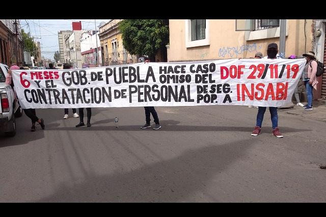 Ex empleados del Seguro Popular piden reinserción en INSABI