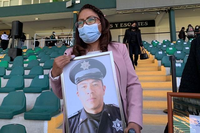 Familia del Comandante Veneno, abatido en Puebla, recibe casa