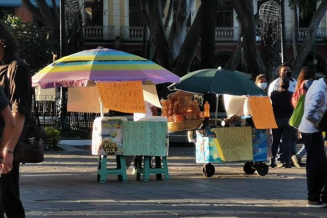 Ambulantes vuelven al zócalo de Puebla; dicen tener permisos