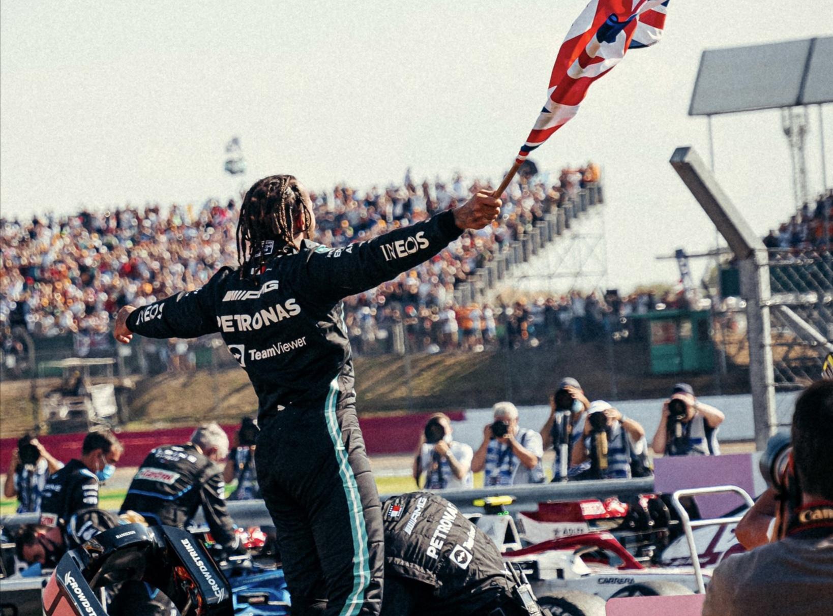Polémica victoria para Hamilton en el GP de Gran Bretaña
