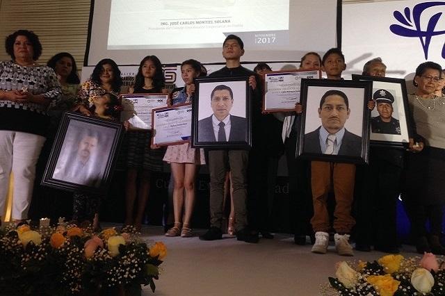 Ocho meses sin justicia: deudos de policía asesinado en Puebla