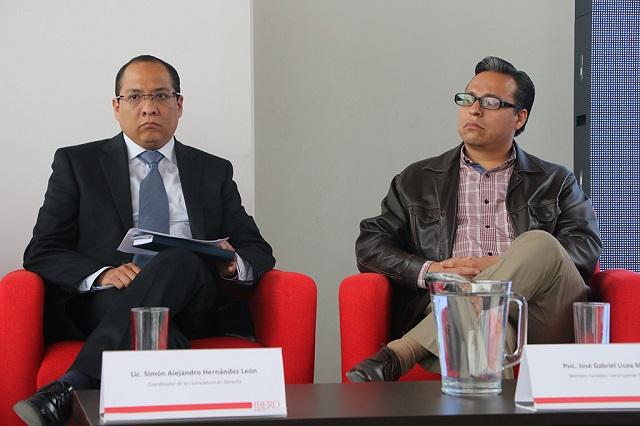 Despidos y reducción salarial son ilegales: académico Ibero Puebla