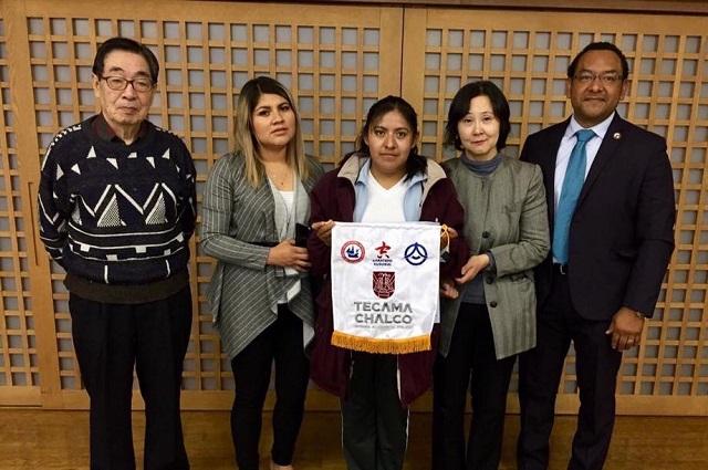 Regidora de Tecamachalco pasea por Japón igual que dos ex ediles