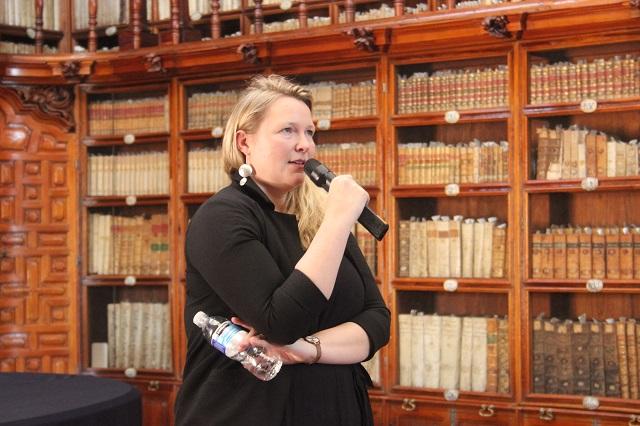 Directora del Museo de Londres imparte cátedra en la Palafoxiana