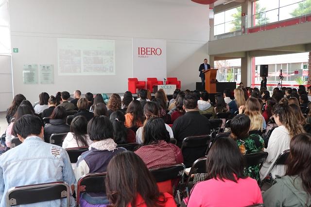 Analizan en Ibero Puebla viabilidad de la producción textil sostenible