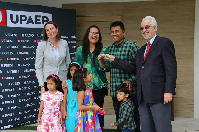 Entregan primeros premios del sorteo Águilas UPAEP