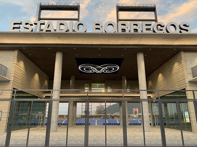 Construyen Estadio del Tec con concreto Cemex