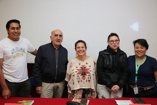 Dialogan en IBERO Puebla sobre radios comunitarias y universitarias