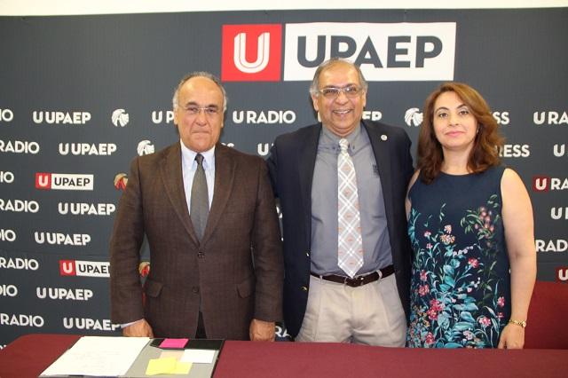Académico de OSU habla de Business Analytics con estudiantes de la UPAEP