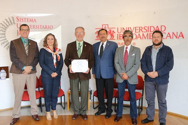 Recibe IBERO Puebla reacreditación de la Licenciatura en Comunicación