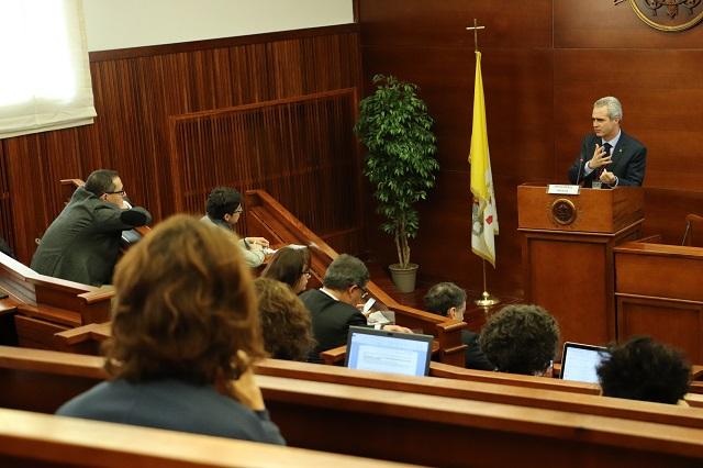 Rector de la UPAEP imparte conferencia en Roma, Italia