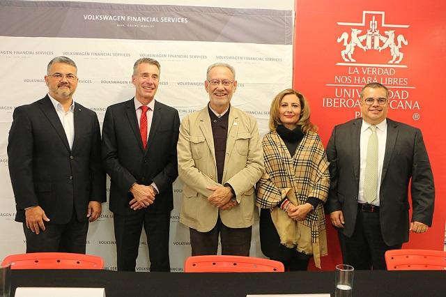 IBERO Puebla y VWFS inauguran primer Digital Hub en México