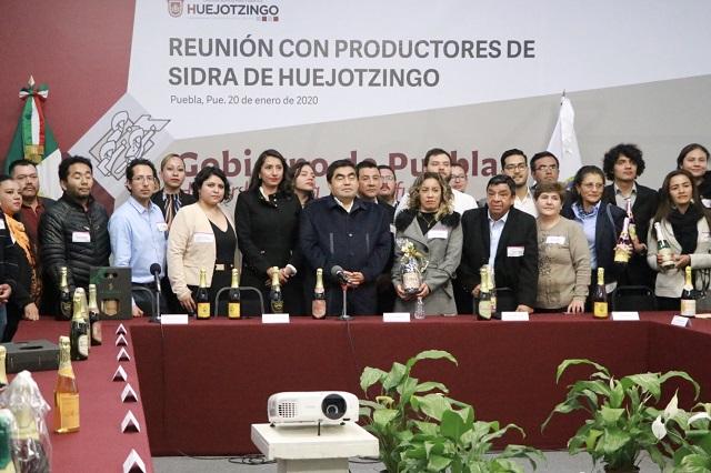 Alcaldesa encabeza reunión de sidreros de Huejotzingo con Barbosa
