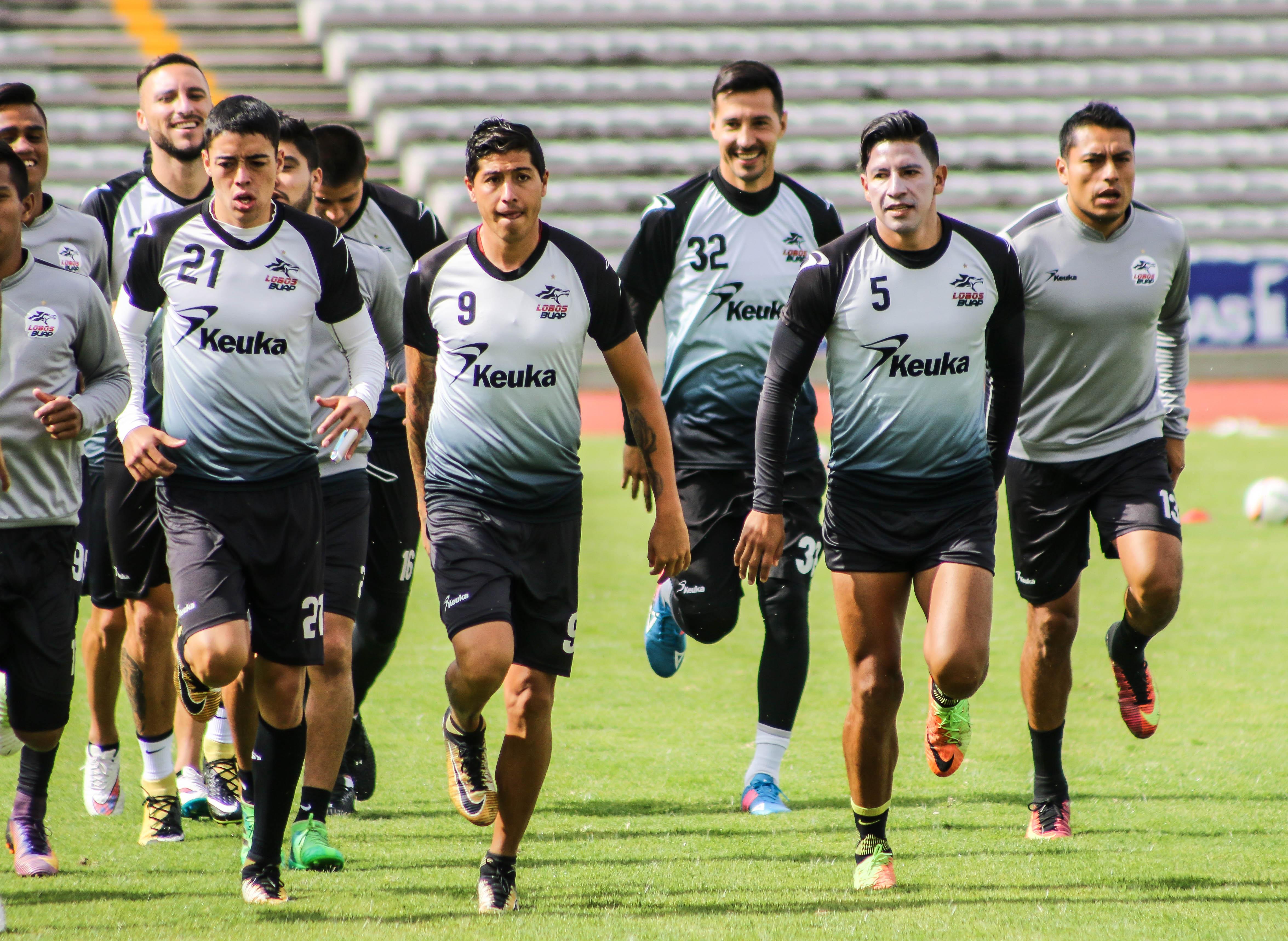 Lobos visita Guadalajara con aspiraciones de liguilla