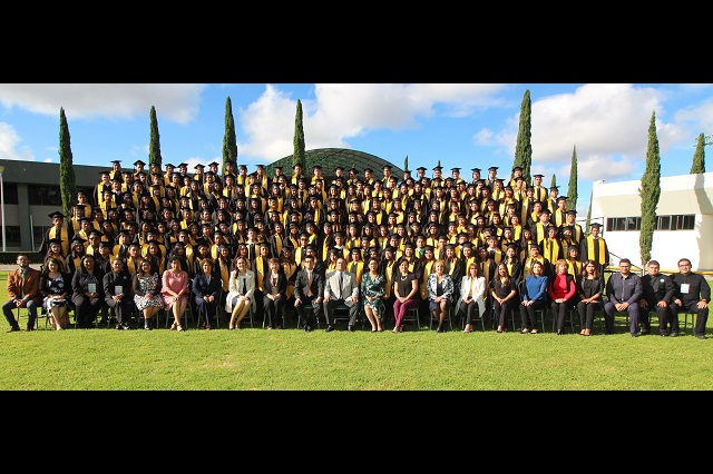 UTP inicia semana de graduaciones de mil 389 nuevos Técnicos