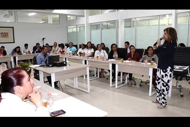 IEE imparte curso sobre violencia política contra las mujeres