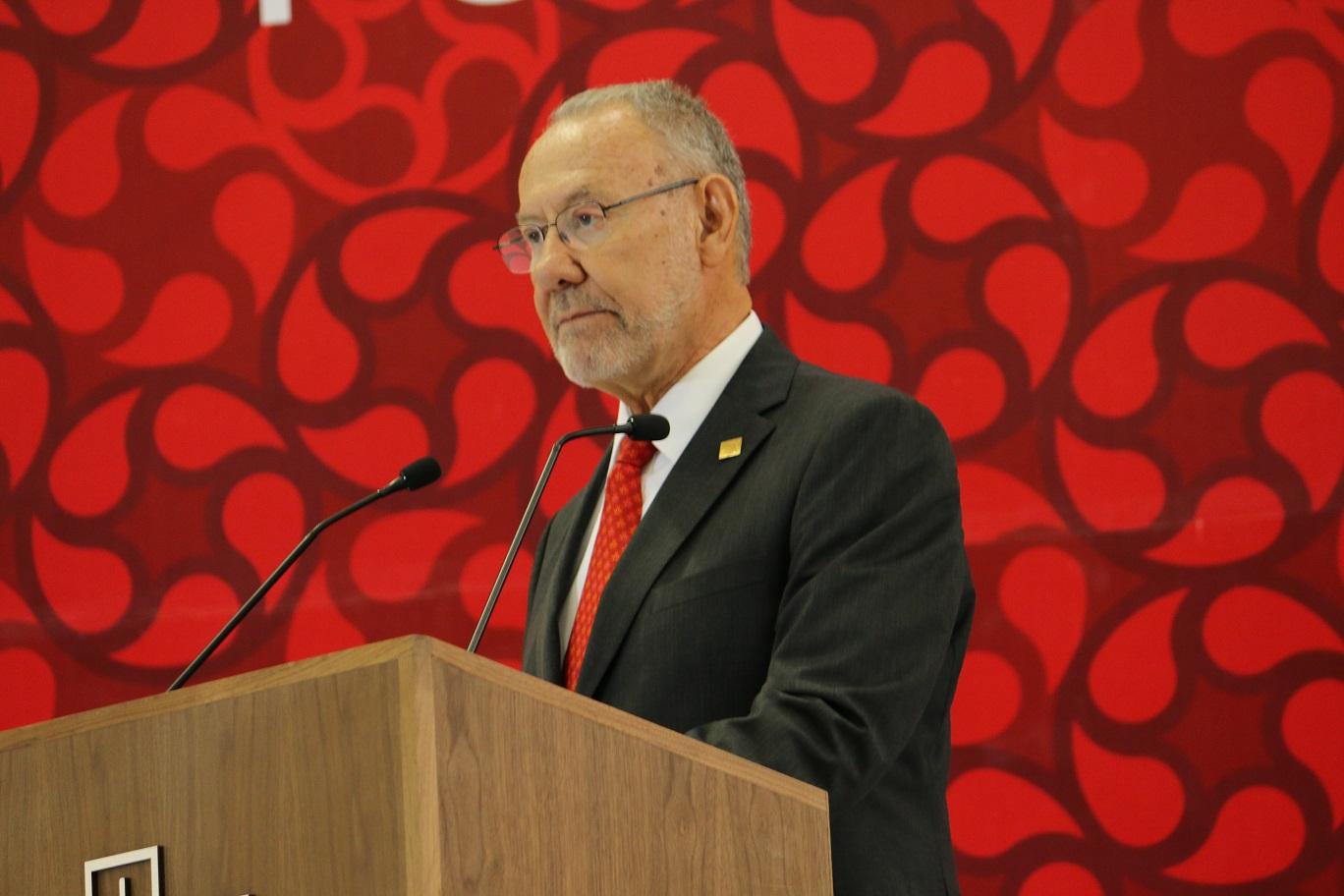 Rector de la IBERO Puebla exalta logros académicos en su informe