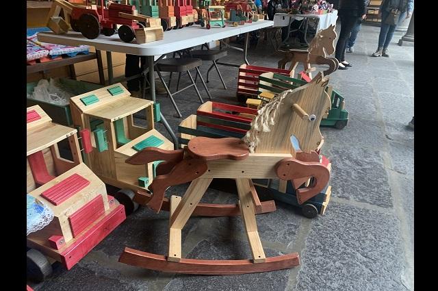 Juguetes tradicionales de madera, opción de artesanos para los Reyes Magos