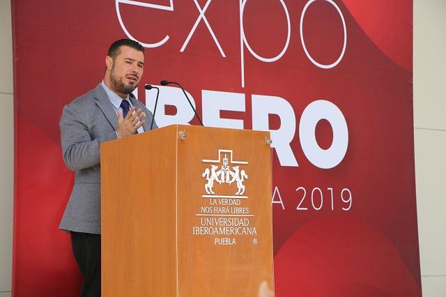 Rector inaugura en Ibero Puebla expo de proyectos estudiantiles