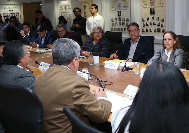 Se reúne titular de Educación en el estado con diputados