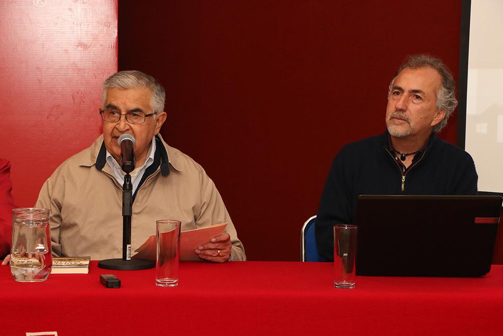 Presenta en Ibero libro sobre San Miguel Tzinacapan y Canoa