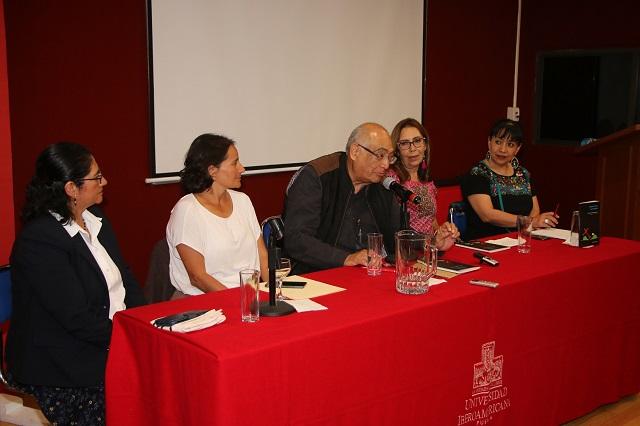 """Presenta sacerdote libro"""" Caminar juntos, con los pobres"""", en la Ibero"""