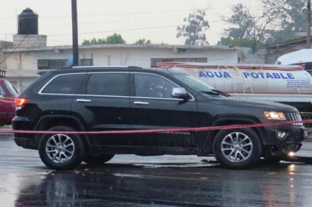 Ejecutan a 2 y lesionan a una mujer en la Puebla-Tehuacán