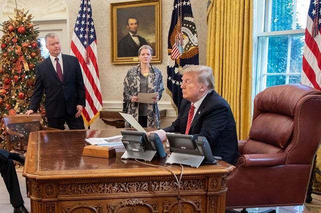 Imputan a Trump por abuso de poder y obstrucción del Congreso