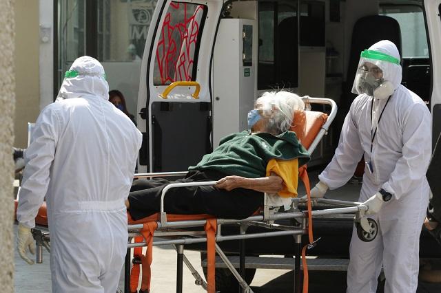 Suma Puebla 31 muertes y 346 contagios en fin de semana