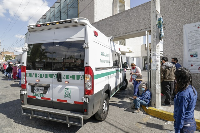 Ven venir crisis hospitalaria en enero por Covid en Puebla