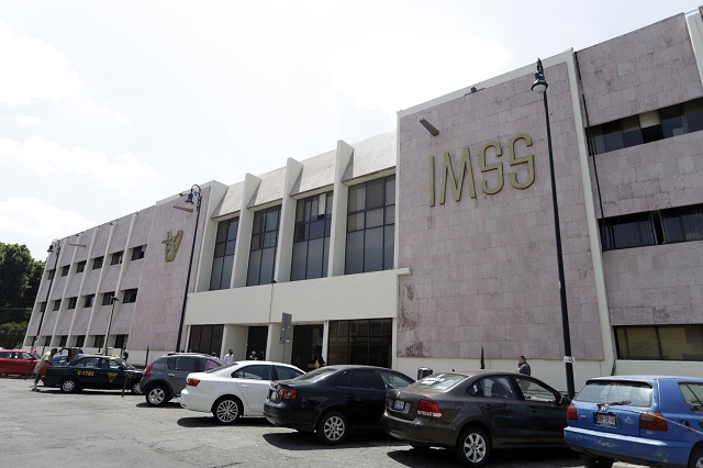 Logra IMSS Puebla licitación a medias para abastecerse por Covid-19