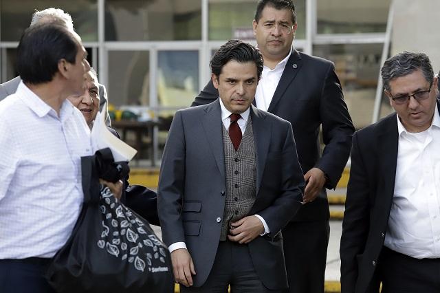 Niega Zoé Robledo negociar contratos con gobierno de Puebla