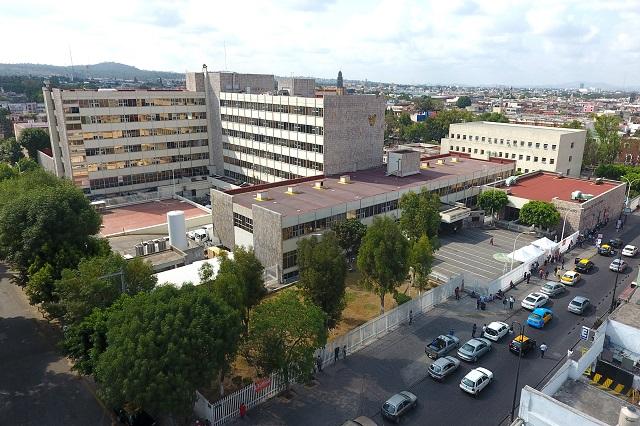Policías homenajean a trabajadores del IMSS de San José