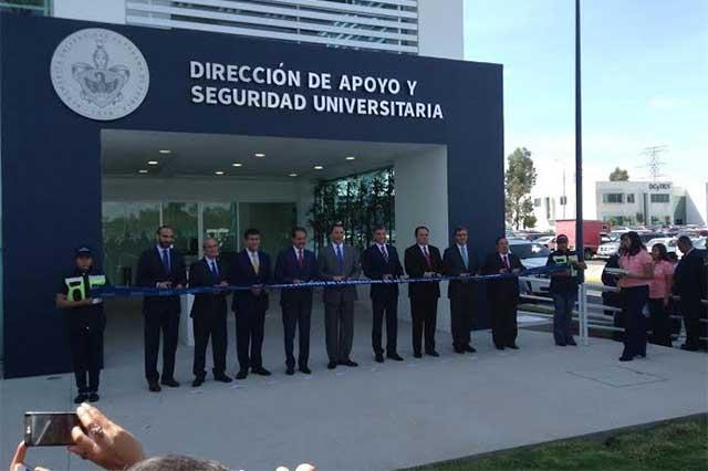 Inauguran clínica de salud y edificio de la DASU en la BUAP